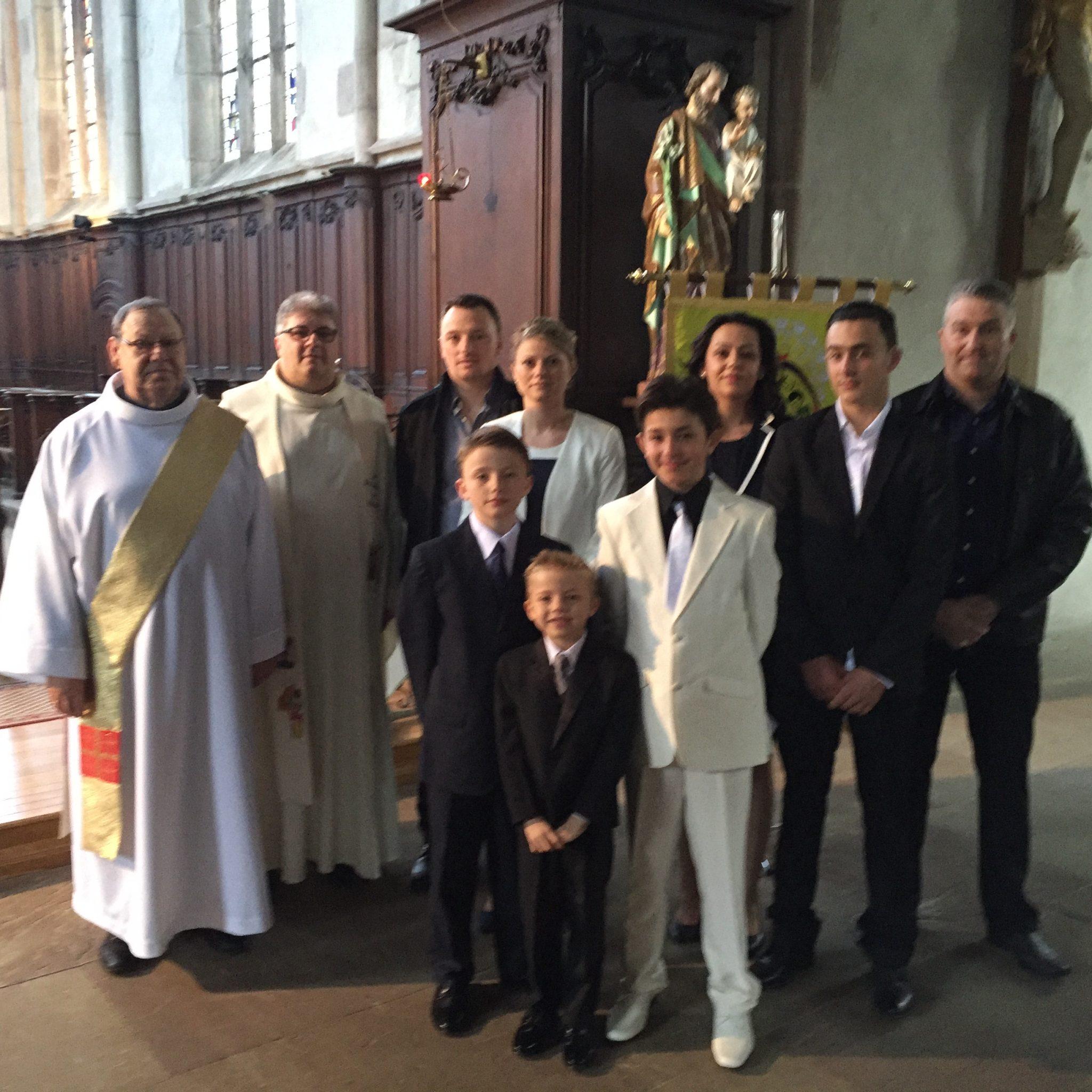 Célébration première communion Fénétrange 2016