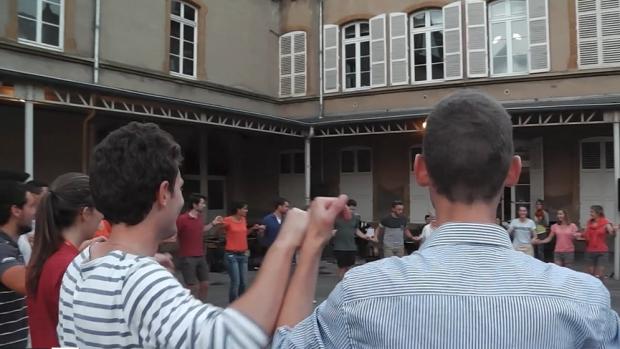 Les jeunes du diocèse de Fréjus-Toulon pendant le temps d'animation à Peltre