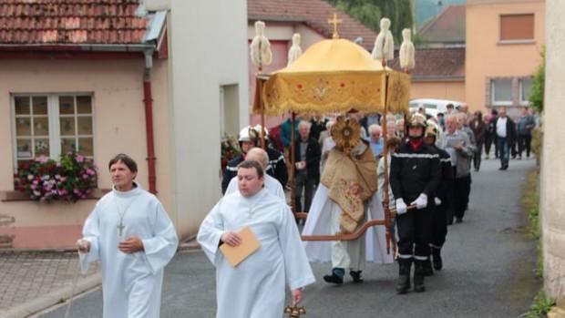 biberkirch-procession-st-sacrement-2.