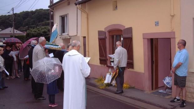 Procession rey des Prés
