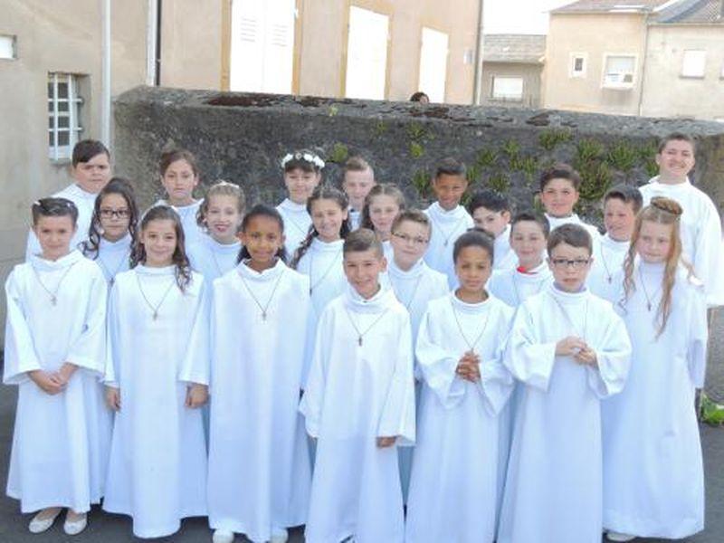 Fameck-première-communion-28