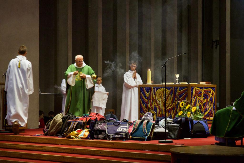 Bénédiction des cartables lors de la Messe du 1er septembre